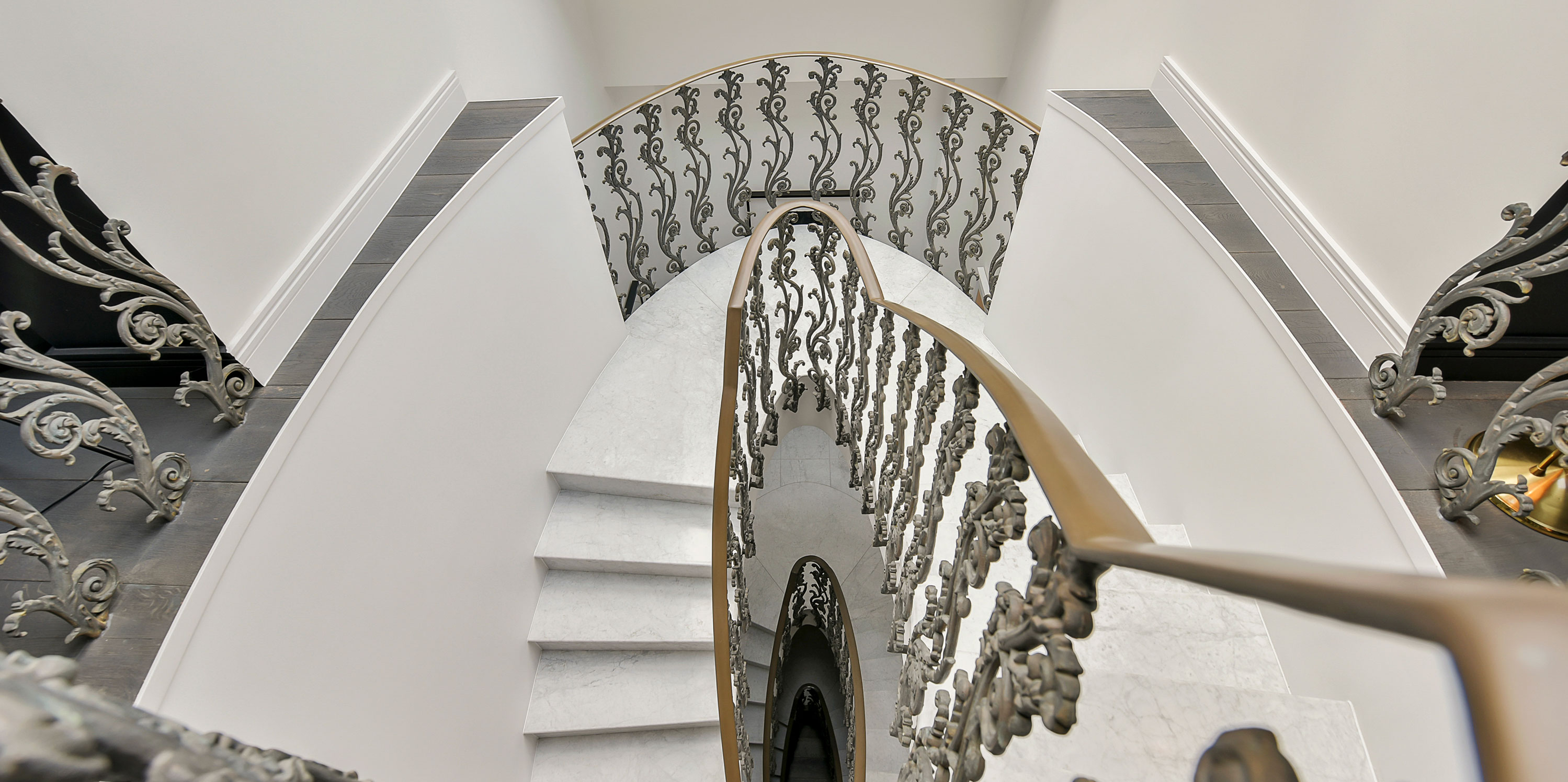 Lith-Hall-staircase